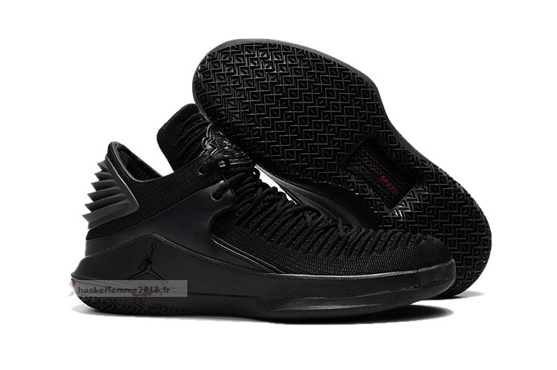 Air Jordan 32 Low Noir Chaussure de Basket