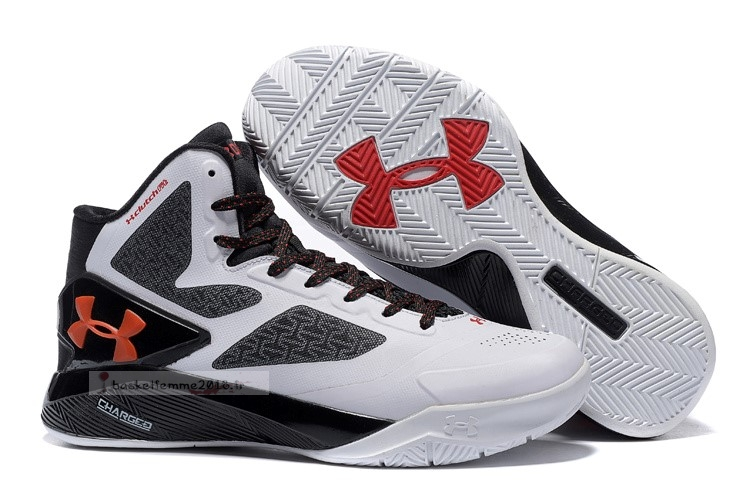 Under Armour Clutchfit Drive 2 Noir Blanc Chaussure de Basket